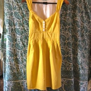 Yellow vintage dress with pockets